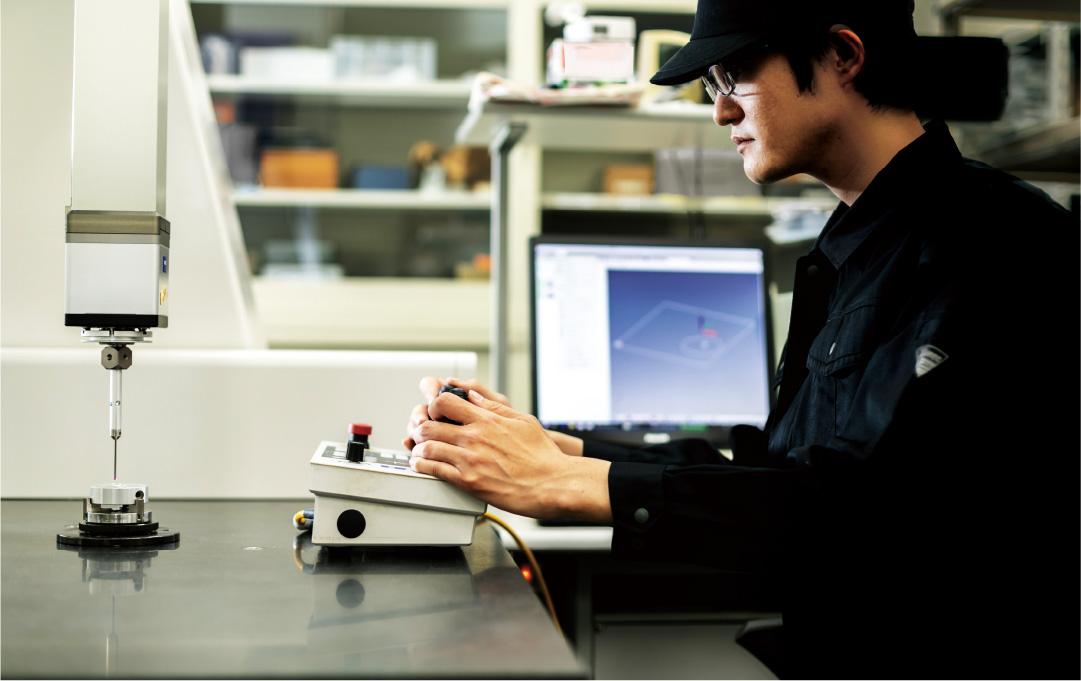 半導体向け装置の送り精度を向上させるべく独自に開発
