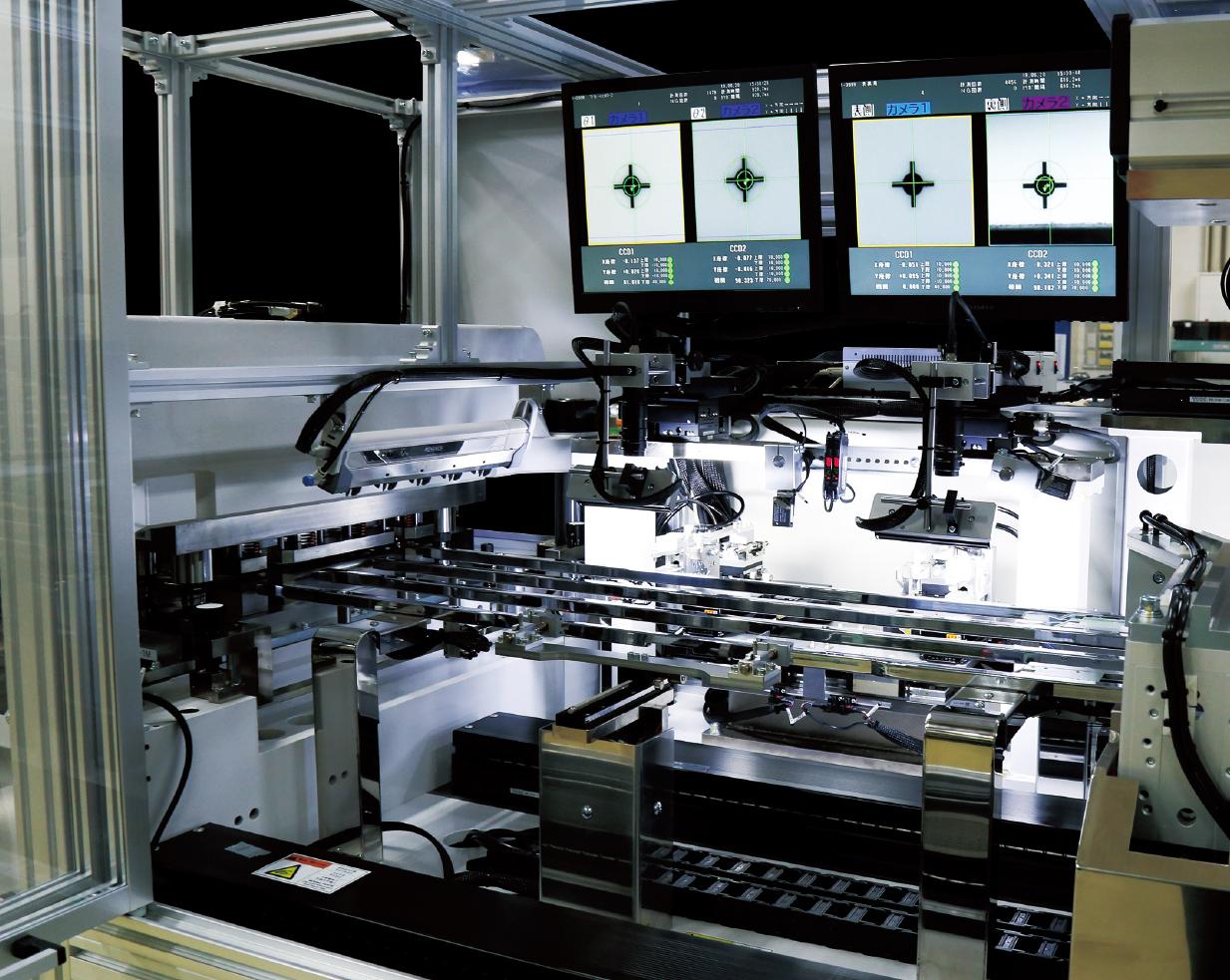 多彩な素材に対応し、クオリティと 効率を追求した高精度な打ち抜き技術